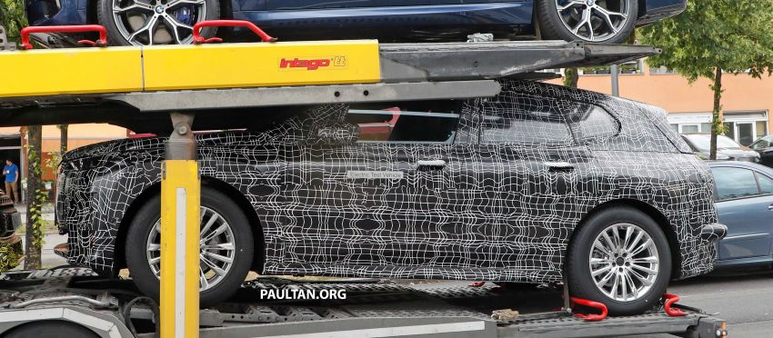 SPIED: BMW iNEXT with production steering wheel Image #992287