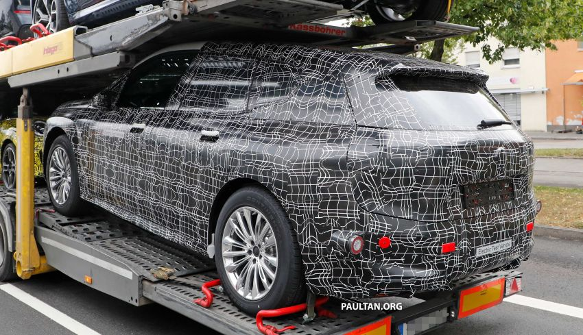 SPIED: BMW iNEXT with production steering wheel Image #992288