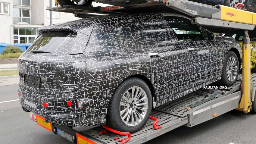 SPIED: BMW iNEXT with production steering wheel Image #992290