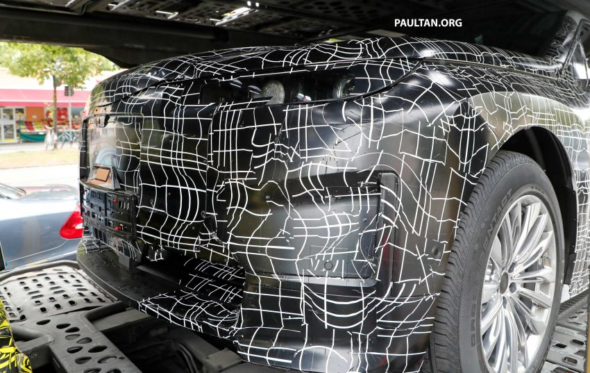SPIED: BMW iNEXT with production steering wheel Image #992291