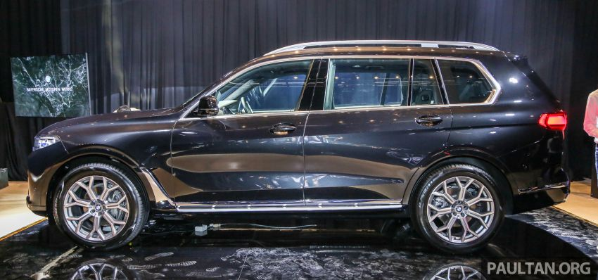 New BMW X7 launched in Malaysia – xDrive40i Design Pure Excellence, 7-seater flagship SUV for RM889k Image #984147