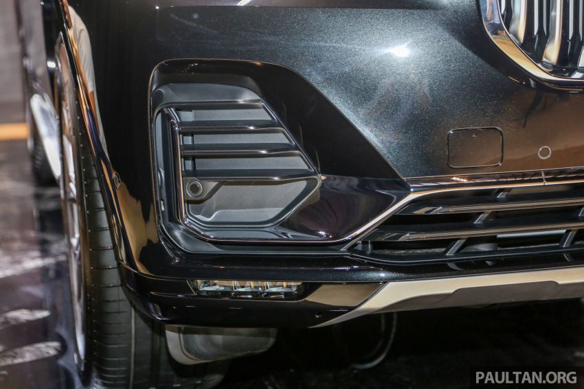 New BMW X7 launched in Malaysia – xDrive40i Design Pure Excellence, 7-seater flagship SUV for RM889k Image #984160