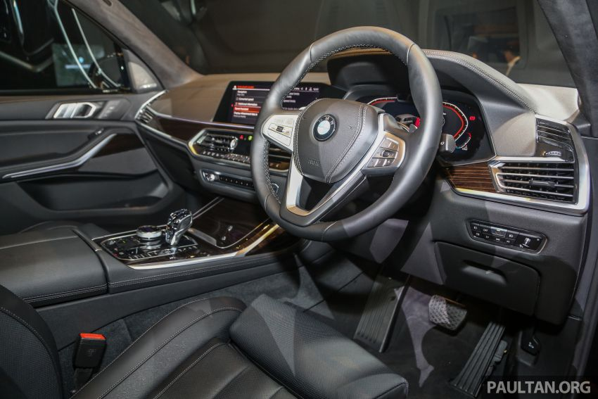 New BMW X7 launched in Malaysia – xDrive40i Design Pure Excellence, 7-seater flagship SUV for RM889k Image #984235
