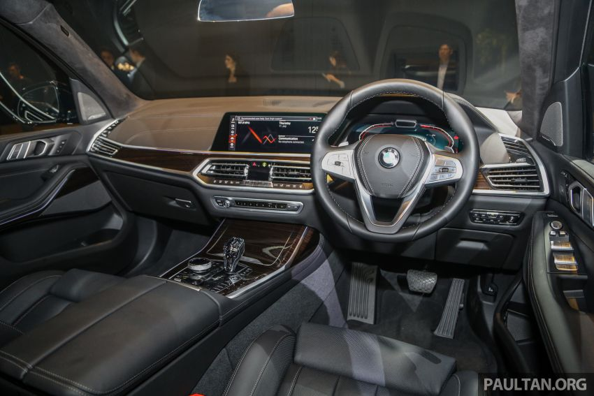 New BMW X7 launched in Malaysia – xDrive40i Design Pure Excellence, 7-seater flagship SUV for RM889k Image #984281
