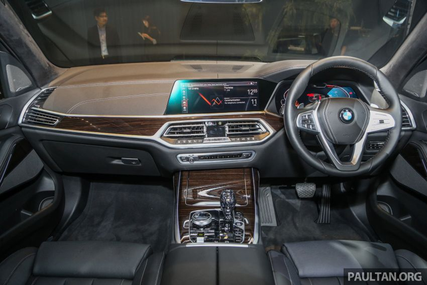 New BMW X7 launched in Malaysia – xDrive40i Design Pure Excellence, 7-seater flagship SUV for RM889k Image #984238