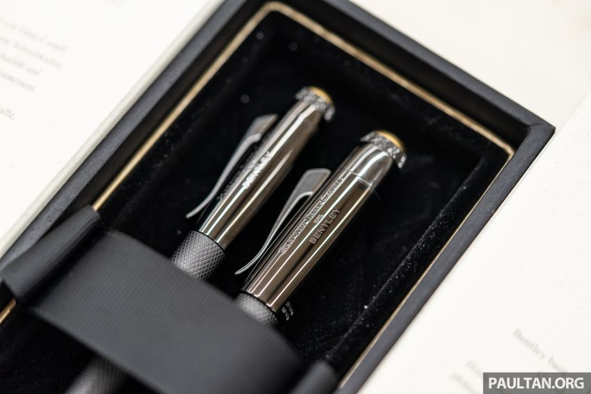 Bentley KL showcases limited-edition Breitling watch and writing instruments from Graf von Faber-Castell Image #984481