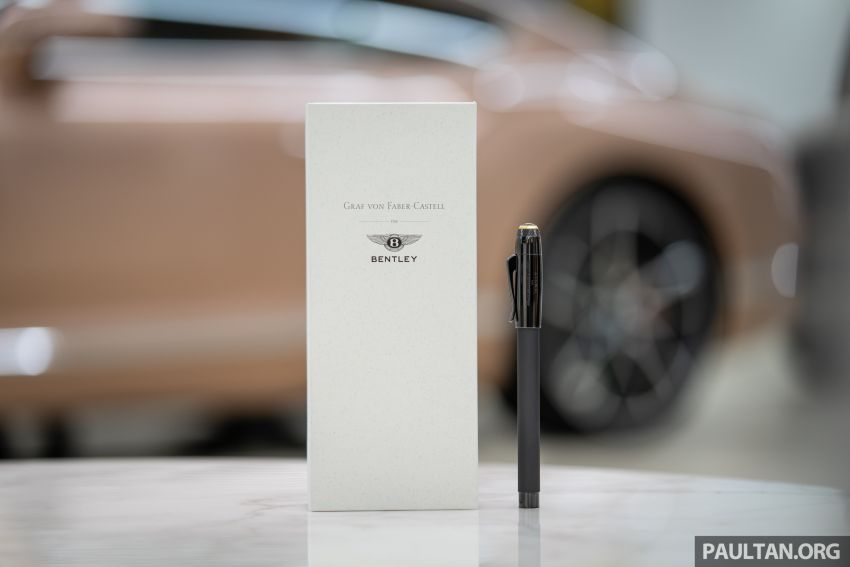 Bentley KL showcases limited-edition Breitling watch and writing instruments from Graf von Faber-Castell Image #984483