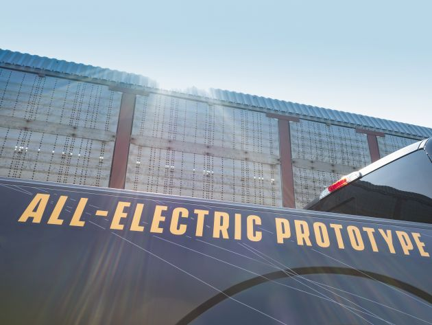 Ford F-150 electric prototype tows train, 42 trucks ...