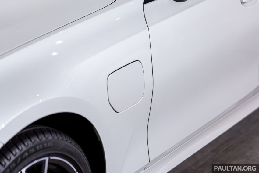 QUICK LOOK: 2019 G20 BMW 330e plug-in hybrid Image #983846
