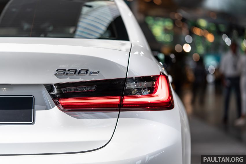 QUICK LOOK: 2019 G20 BMW 330e plug-in hybrid Image #983849