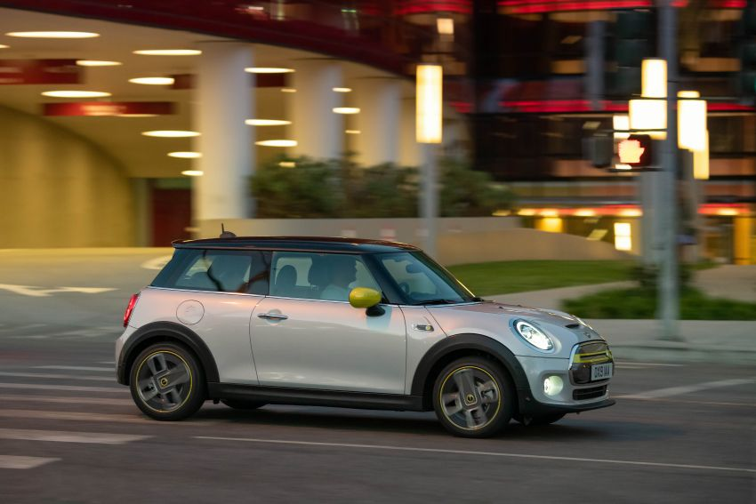 MINI Cooper SE debuts – brand's first fully-electric model; 181 hp and 270 Nm; up to 270 km of range Image #983427