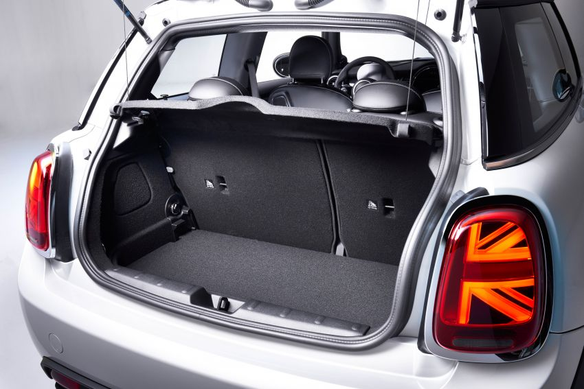 MINI Cooper SE debuts – brand's first fully-electric model; 181 hp and 270 Nm; up to 270 km of range Image #983552
