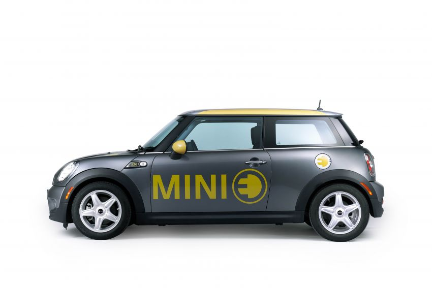 MINI Cooper SE debuts – brand's first fully-electric model; 181 hp and 270 Nm; up to 270 km of range Image #983573