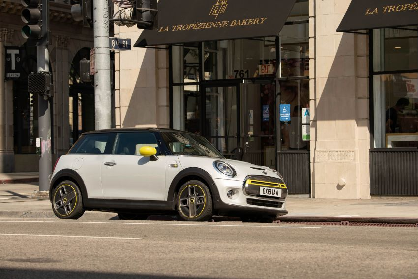 MINI Cooper SE debuts – brand's first fully-electric model; 181 hp and 270 Nm; up to 270 km of range Image #983434