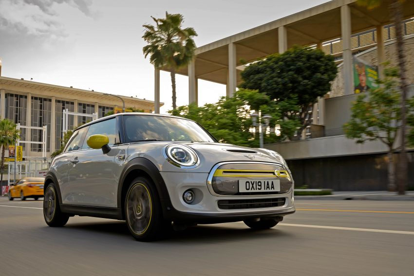 MINI Cooper SE debuts – brand's first fully-electric model; 181 hp and 270 Nm; up to 270 km of range Image #983439