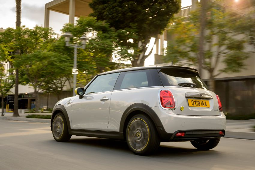 MINI Cooper SE debuts – brand's first fully-electric model; 181 hp and 270 Nm; up to 270 km of range Image #983442