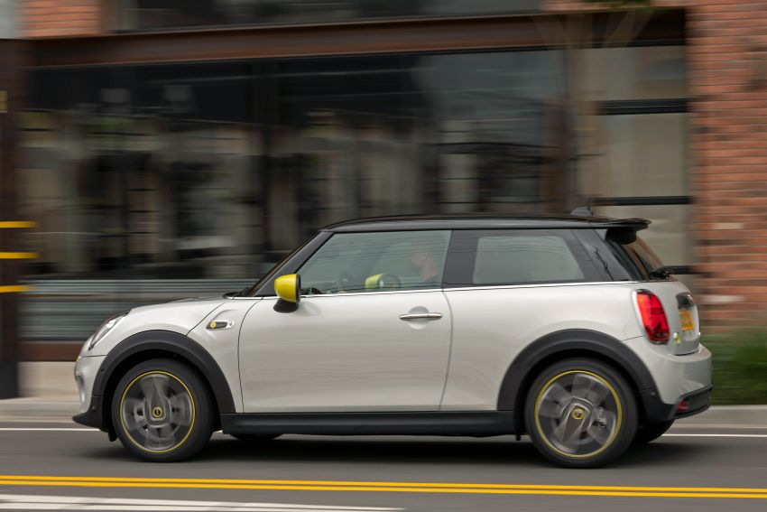 MINI Cooper SE debuts – brand's first fully-electric model; 181 hp and 270 Nm; up to 270 km of range Image #983451