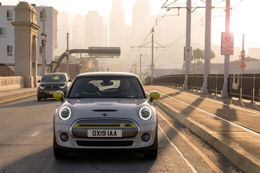 MINI Cooper SE debuts – brand's first fully-electric model; 181 hp and 270 Nm; up to 270 km of range Image #983463
