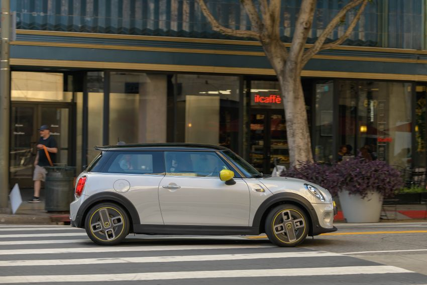 MINI Cooper SE debuts – brand's first fully-electric model; 181 hp and 270 Nm; up to 270 km of range Image #983420