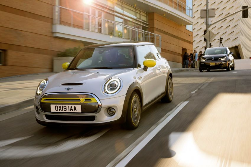 MINI Cooper SE debuts – brand's first fully-electric model; 181 hp and 270 Nm; up to 270 km of range Image #983470