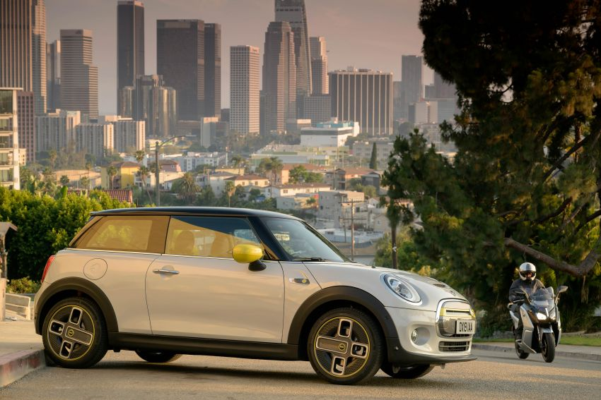 MINI Cooper SE debuts – brand's first fully-electric model; 181 hp and 270 Nm; up to 270 km of range Image #983477