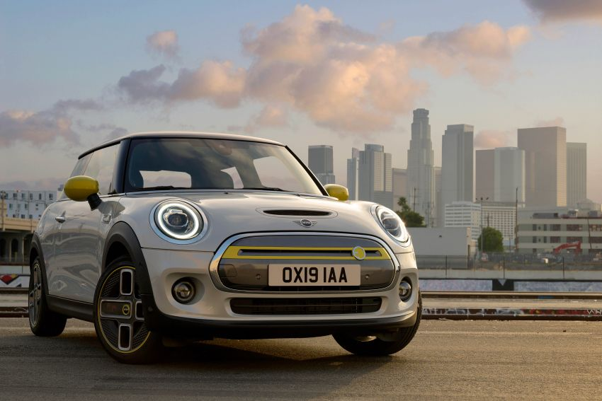MINI Cooper SE debuts – brand's first fully-electric model; 181 hp and 270 Nm; up to 270 km of range Image #983479