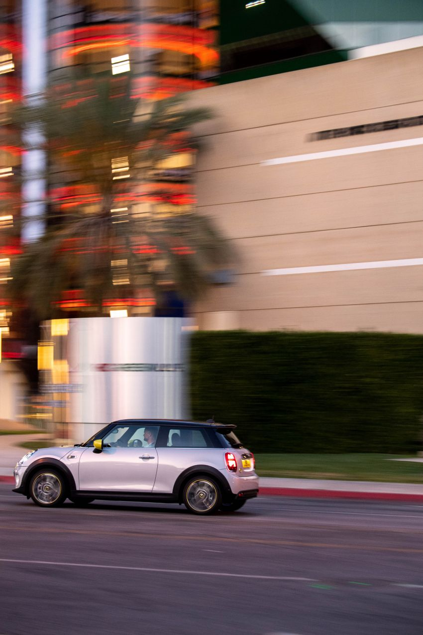 MINI Cooper SE debuts – brand's first fully-electric model; 181 hp and 270 Nm; up to 270 km of range Image #983491
