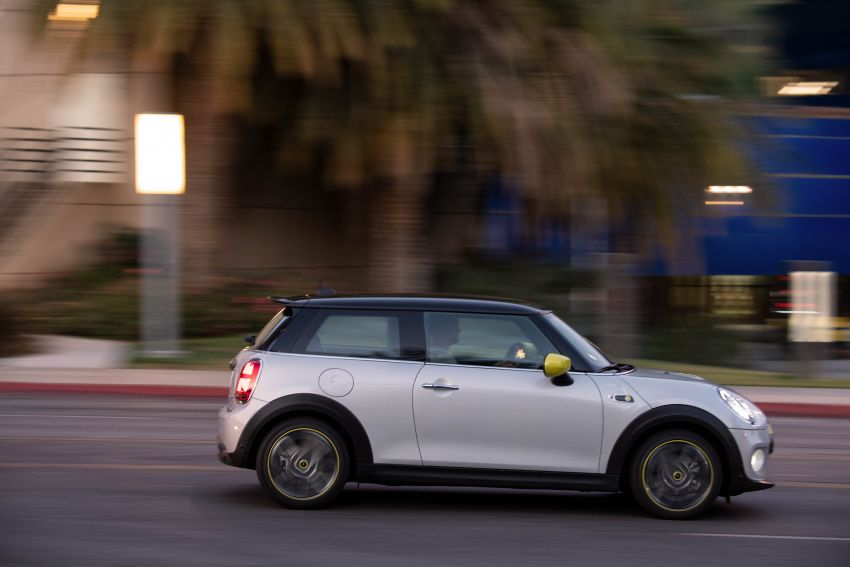 MINI Cooper SE debuts – brand's first fully-electric model; 181 hp and 270 Nm; up to 270 km of range Image #983492