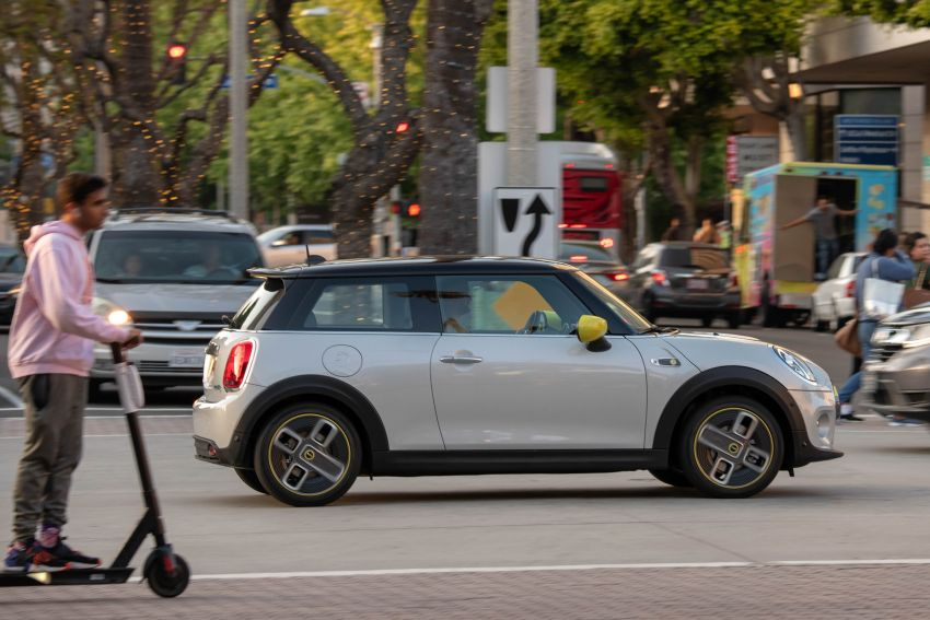 MINI Cooper SE debuts – brand's first fully-electric model; 181 hp and 270 Nm; up to 270 km of range Image #983422