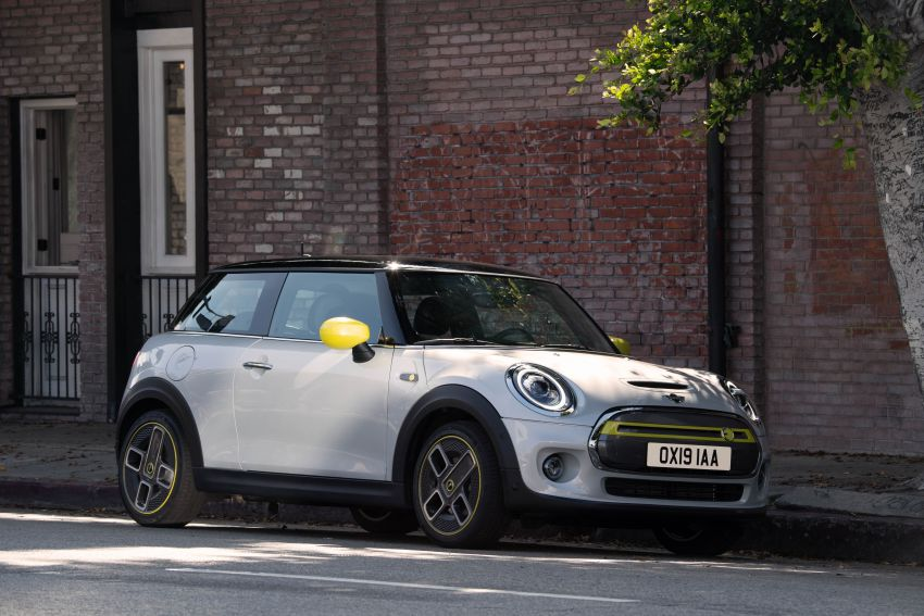 MINI Cooper SE debuts – brand's first fully-electric model; 181 hp and 270 Nm; up to 270 km of range Image #983495