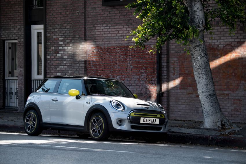 MINI Cooper SE debuts – brand's first fully-electric model; 181 hp and 270 Nm; up to 270 km of range Image #983496