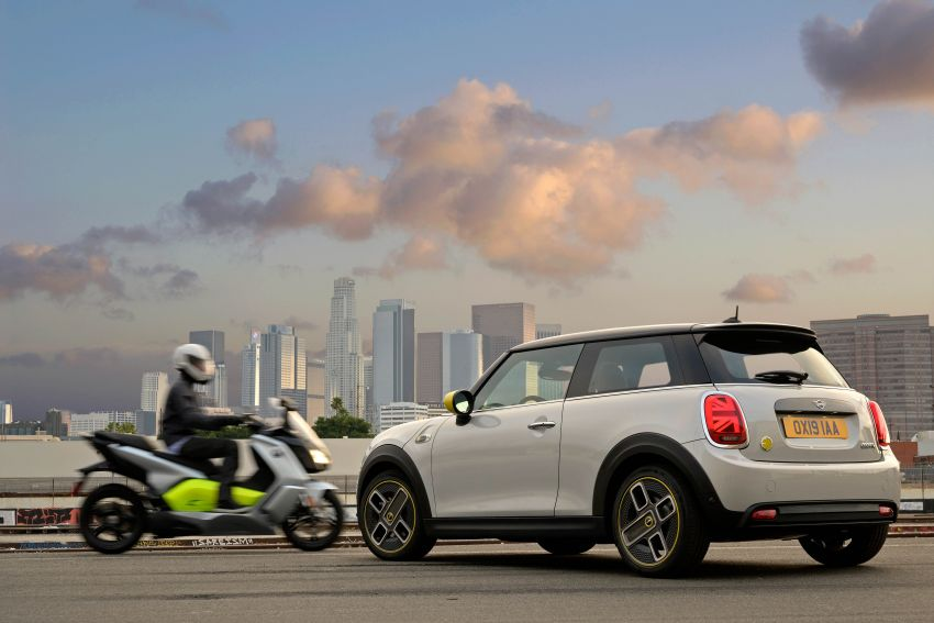 MINI Cooper SE debuts – brand's first fully-electric model; 181 hp and 270 Nm; up to 270 km of range Image #983511