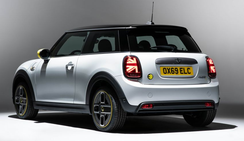 MINI Cooper SE debuts – brand's first fully-electric model; 181 hp and 270 Nm; up to 270 km of range Image #983516