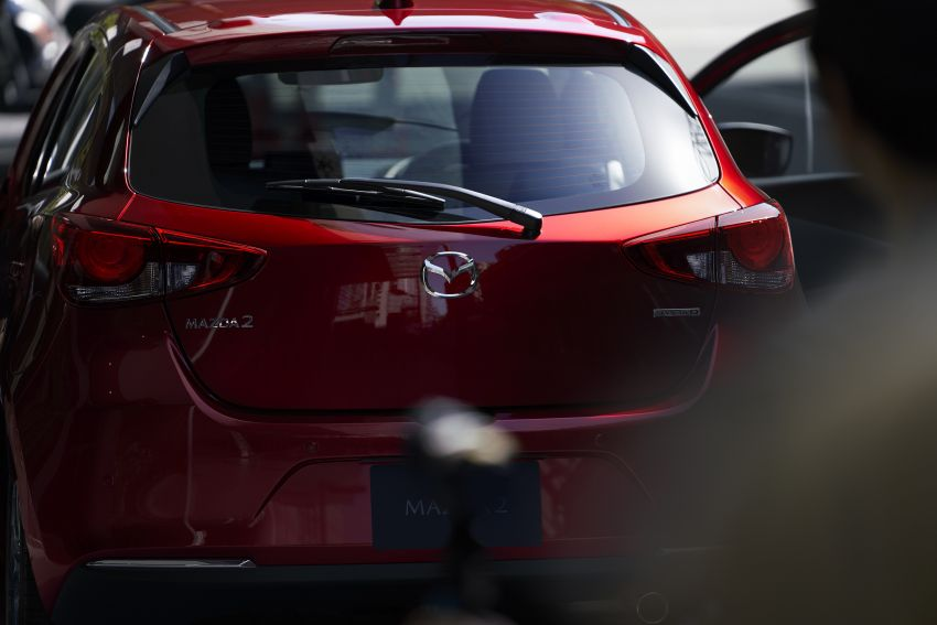 Mazda 2 facelift unveiled – new looks and driver aids Image #987707