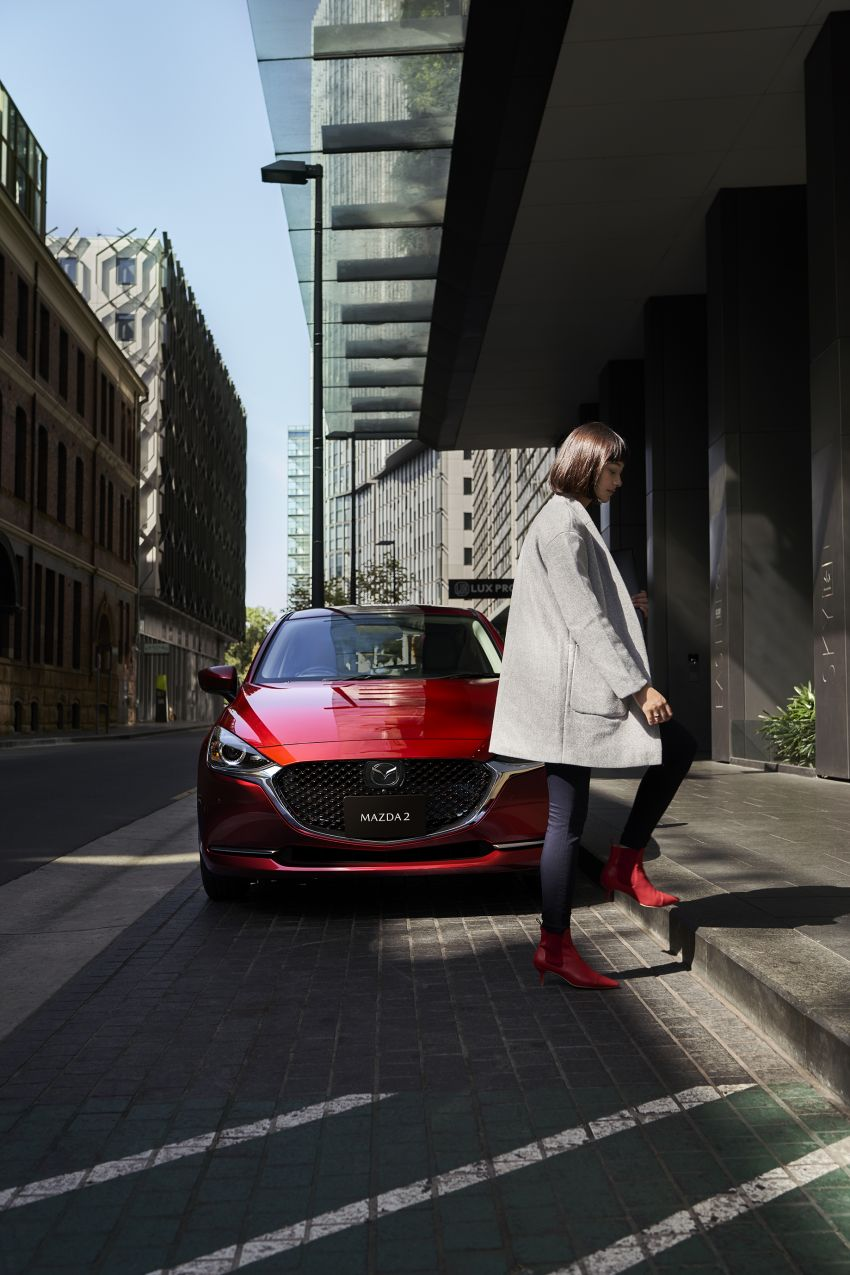 Mazda 2 facelift unveiled – new looks and driver aids Image #987712