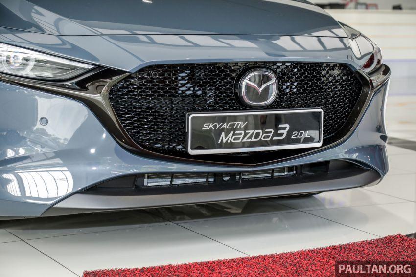 Mazda 3 2019 tiba di bilik pameran Malaysia – 1.5L Sedan dan 2.0L hatchback High Plus, bermula RM140k Image #982279