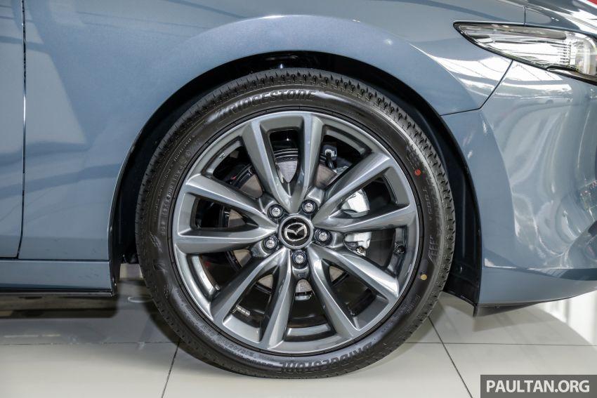 Mazda 3 2019 tiba di bilik pameran Malaysia – 1.5L Sedan dan 2.0L hatchback High Plus, bermula RM140k Image #982280