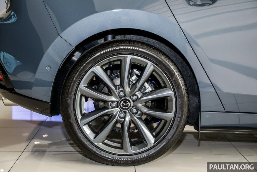 Mazda 3 2019 tiba di bilik pameran Malaysia – 1.5L Sedan dan 2.0L hatchback High Plus, bermula RM140k Image #982281