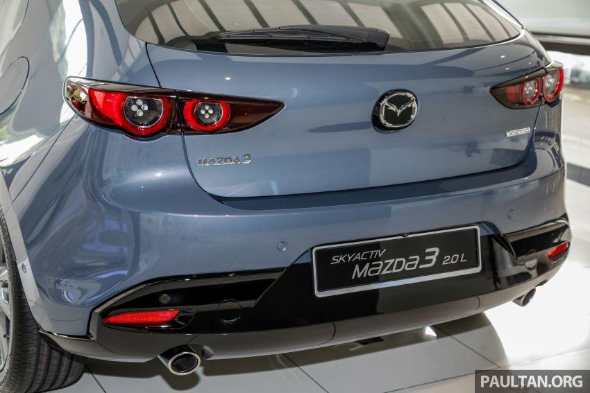 Mazda 3 2019 tiba di bilik pameran Malaysia – 1.5L Sedan dan 2.0L hatchback High Plus, bermula RM140k Image #982286