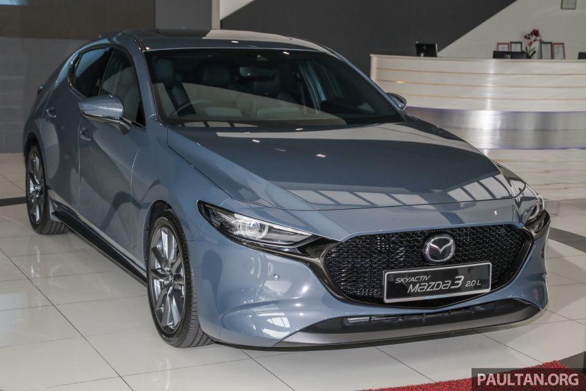 Mazda 3 2019 tiba di bilik pameran Malaysia – 1.5L Sedan dan 2.0L hatchback High Plus, bermula RM140k Image #982267