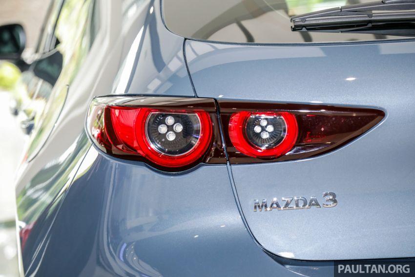 Mazda 3 2019 tiba di bilik pameran Malaysia – 1.5L Sedan dan 2.0L hatchback High Plus, bermula RM140k Image #982287