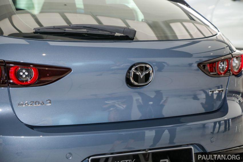 Mazda 3 2019 tiba di bilik pameran Malaysia – 1.5L Sedan dan 2.0L hatchback High Plus, bermula RM140k Image #982289