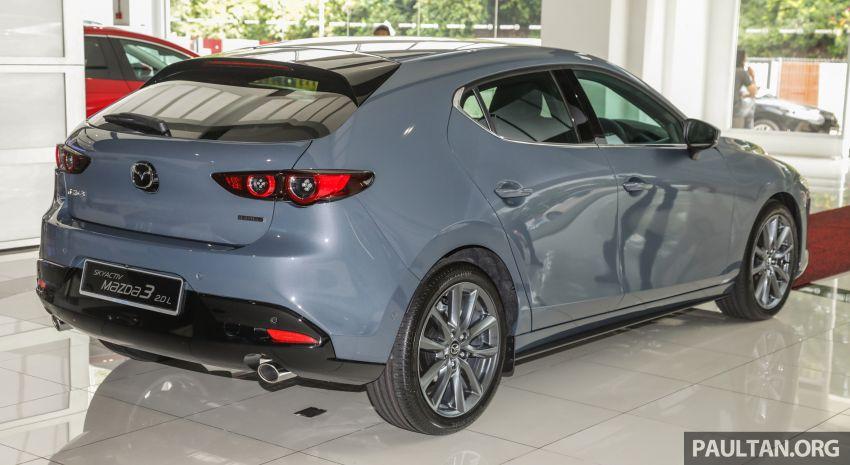 Mazda 3 2019 tiba di bilik pameran Malaysia – 1.5L Sedan dan 2.0L hatchback High Plus, bermula RM140k Image #982269