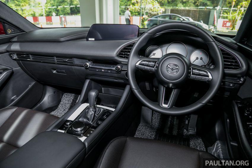 Mazda 3 2019 tiba di bilik pameran Malaysia – 1.5L Sedan dan 2.0L hatchback High Plus, bermula RM140k Image #982321