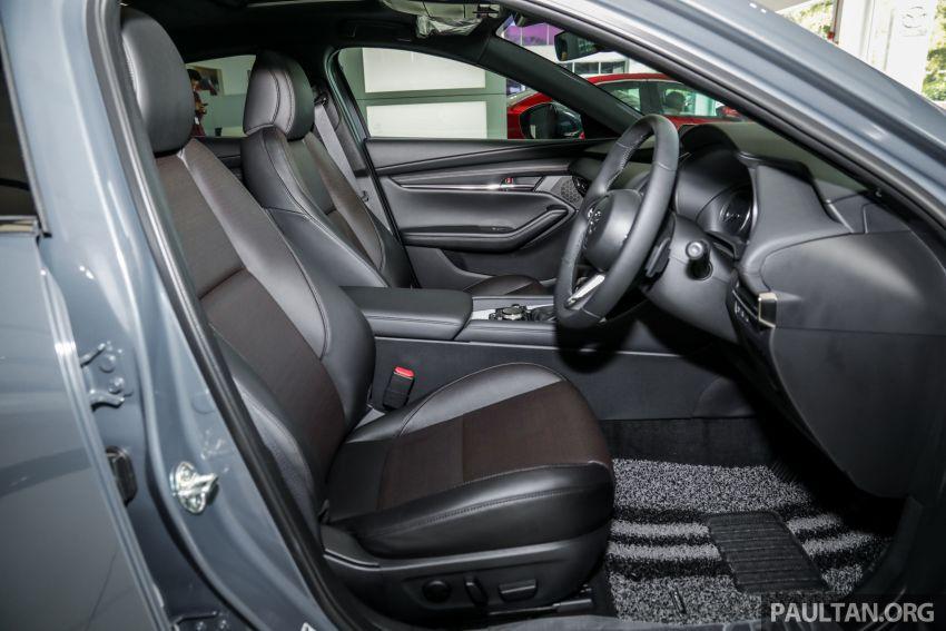 Mazda 3 2019 tiba di bilik pameran Malaysia – 1.5L Sedan dan 2.0L hatchback High Plus, bermula RM140k Image #982327
