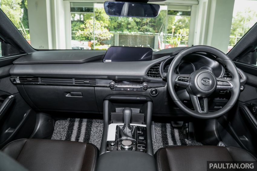 Mazda 3 2019 tiba di bilik pameran Malaysia – 1.5L Sedan dan 2.0L hatchback High Plus, bermula RM140k Image #982301