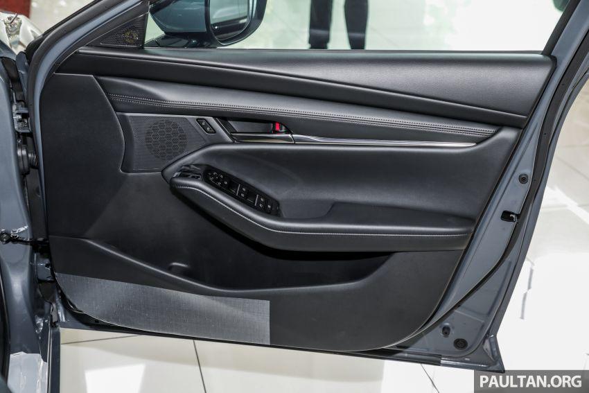 Mazda 3 2019 tiba di bilik pameran Malaysia – 1.5L Sedan dan 2.0L hatchback High Plus, bermula RM140k Image #982330