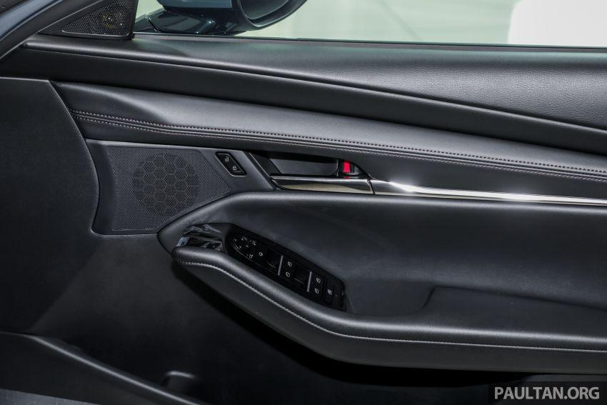 Mazda 3 2019 tiba di bilik pameran Malaysia – 1.5L Sedan dan 2.0L hatchback High Plus, bermula RM140k Image #982333