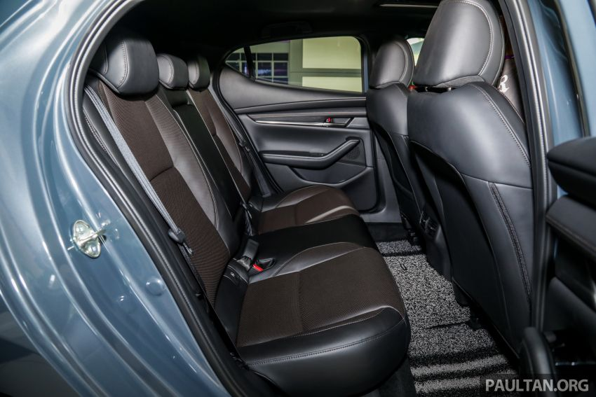 Mazda 3 2019 tiba di bilik pameran Malaysia – 1.5L Sedan dan 2.0L hatchback High Plus, bermula RM140k Image #982335