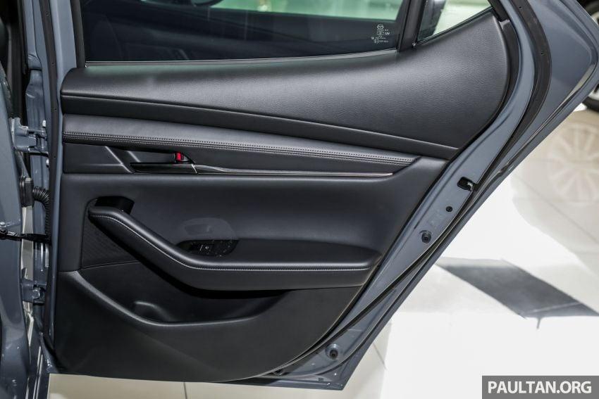 Mazda 3 2019 tiba di bilik pameran Malaysia – 1.5L Sedan dan 2.0L hatchback High Plus, bermula RM140k Image #982347